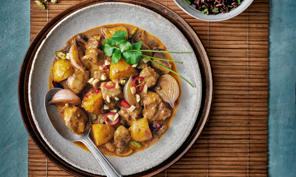 Subtle and soothing: an obsession with Thai massaman curry – plus the recipe